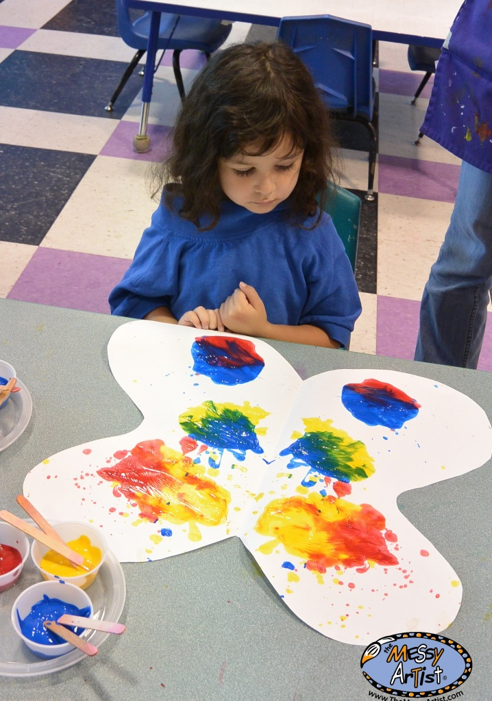 teaching primary colors to children